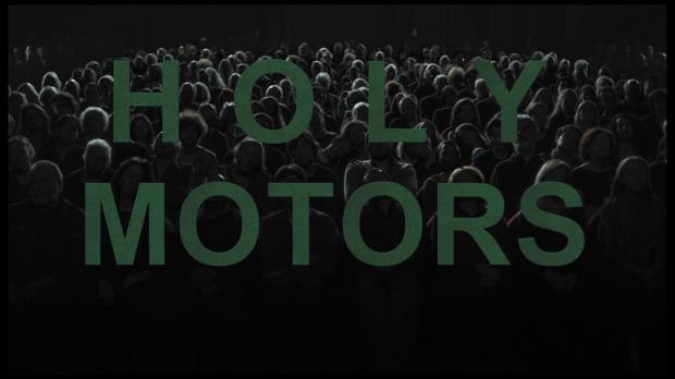 """אנשים חסרי צוואר, זומבים שצופים בקולנוע. ההתחלה של """"מנועים קדושים"""""""