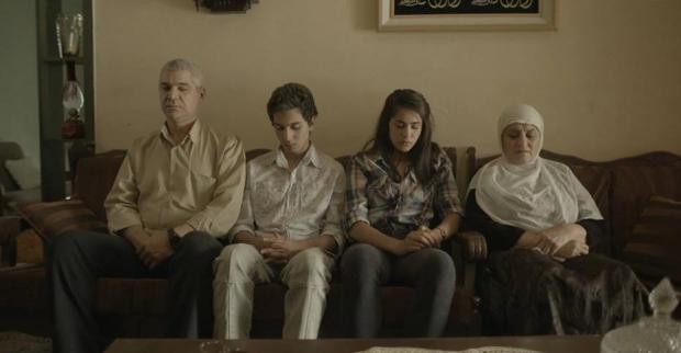"""המשפחה הדרוזית שלי. משמאל לימין: איאד שיטי, שאדי מרעי (ההוא מ""""בית לחם""""), דניאלה נידם, וזהירה סבאח ב""""ערבאני"""". צילום: זיו ברקוביץ ועמית ברלוביץ'"""