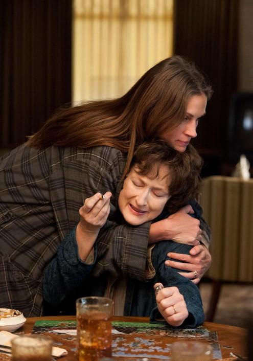"""אוהבת אותך חונקת אותך. ג'וליה רוברטס ומריל סטריפ ב""""אוגוסט מחוז אוסייג'"""""""