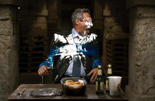 """סרט כחול לבן. וילוז'ני מלקק את הפצעים ב""""סוכריות""""."""