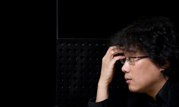 """בונג ג'ון הו. הבמאי של """"רכבת הקרח""""."""