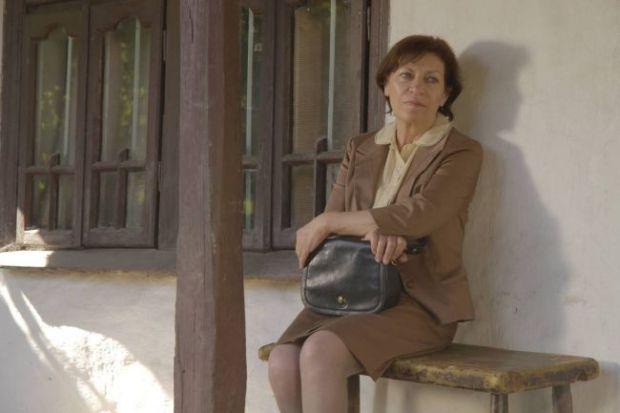 """לומיניצה גיאורגיו ב""""אני מכשפה קומוניסטית זקנה"""""""
