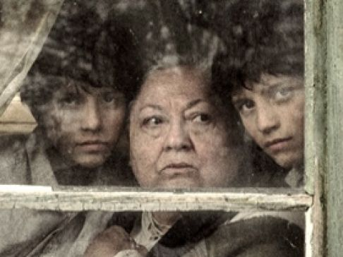 """אני עצמי וסבתא שלי. """"המחברת הגדולה"""""""