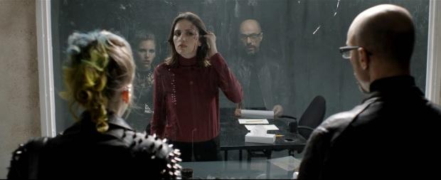 """צלקת דה מיקולו. מלי לוי, דרור קרן, ויערה פלציג ב""""התאבדות"""""""