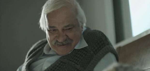 מתוך הפיסבוק של הסרט: יחזקאל, 78, דייר בדיור מוגן בירושלים. אשתו אומרת שהוא רוצח סדרתי.