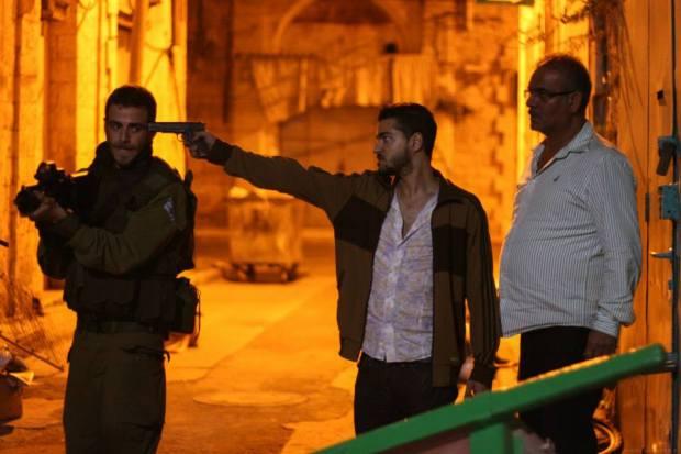 """גם לכאן נכנס הסכסוך הישראלי פלסטיני. מתוך """"ג'רוזלם"""". סרט זומבים."""