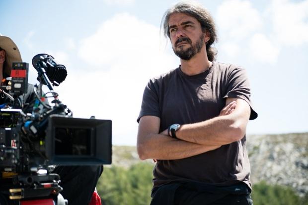"""הבמאי פרננדו לאון דה אראנואה על הסט של """"יום מושלם"""""""